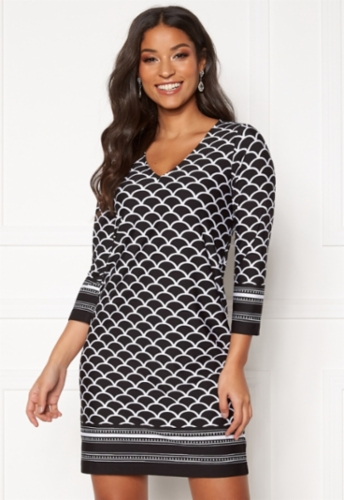 happy-holly-blenda-v-neck-dress-black-patterned_10.jpg&width=400&height=500
