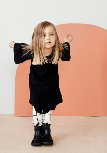 black_frill_sleeve_dress_aatio_papu.jpg&width=400&height=500