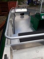 Veneen uusi sisäpohja alumiinista