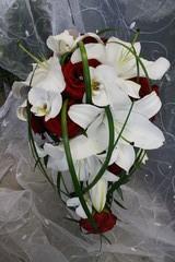 ruusu, lilja ja orkidea