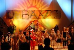 Musiikkiopiston opettajien ja musareppulaisten Intiaanikonsertti keväällä 2008, hau!