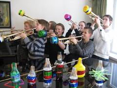 """Trumpettikoplan """"sääntömääräinen kevätkokous"""" sordiinopajassa 18.4.2009"""