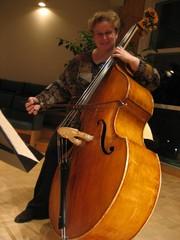 Rehtori Sari Savolainen opekonsertin tunnelmissa 11.11.2009