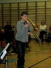 Pasuunataiteilija Pyry Vehniäinen soitinesittelykonsertissa 10.2.2010.