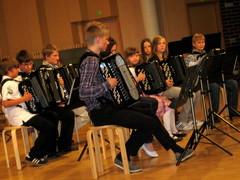 Hanuristit vauhdissa musiikkiopiston Kevätjuhlassa 27.5.2010