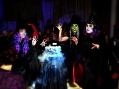 Noitakvartetti loitsuaa taikapadan äärellä musiikkiopiston Across The Stars - elokuvamusiikin konsertissa 13.11.2010