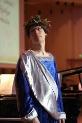 Oopperaluokka esitti 26.5.2011 kevätjuhlassa  kohtauksia Mozartin oopperasta La clemenza di Tito. Kuvassa roomalaislookia ala Matti Torikka!
