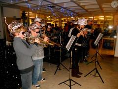 Junnupoppoo -orkesteri Kirjaston yö -tapahtumassa 14.10.2011