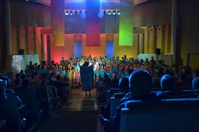 Maailman ympäri 80 -minuutissa musiikkiseikkailu Suolahtisalissa 24.3.2012