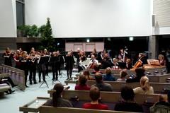 Adventin aikaan -konsertti Hietaman kirkossa 28.11.2012. Esiintyjinä musiikkiopiston kamarimusiikkiryhmiä ja A´la Acca -jousiorkesteri.
