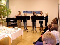 Huilukvintetti esiintymässä Äänekosken Taidemuseolla Sirpa Hasan batiikkinäyttelyn avajaisissa 24.1.2013