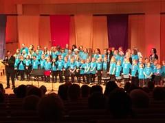 Musiikkiopiston Sirkuttajat ja Visertäjät esiintymässä Mieskuoro Metsojen joulukonsertissa 5.12.2014
