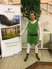 Biotuotetehtaan sivutuotteena valtuustosaliin lennähtänyt unkarilaissyntyinen metsäkeiju, Balu! (31.1.2018)
