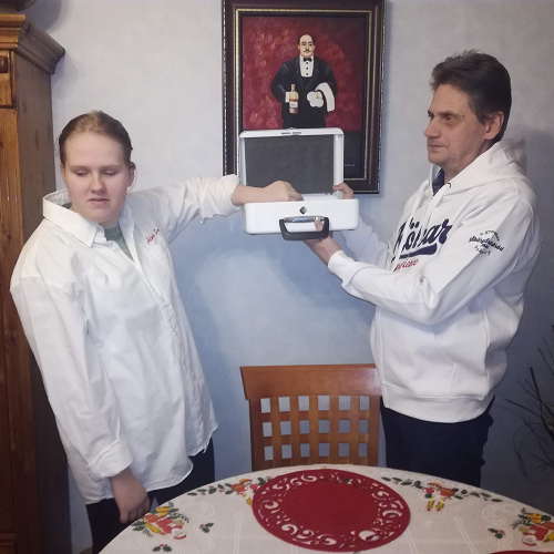 alands_smakin_jouluarvonta_2019_-_arvonta_suoritettu_12.01.2020_-_mariko_toimi_onnettarena_kuva1