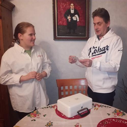 alands_smakin_jouluarvonta_2019_-_arvonta_suoritettu_12.01.2020_-_roger_lukee_voittajan_kuva2