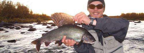 Record_grayling_fly_fishing