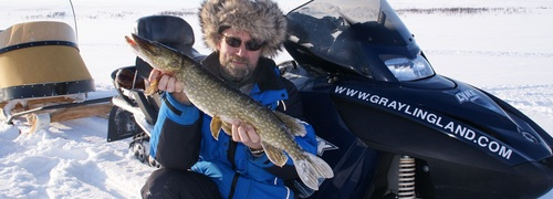ice_fishing_safari_lapland.jpg