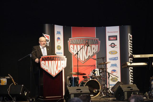 Rahtareiden puheenjohtaja Kimmo Puntti oli tyytyväinen että Ammattina Sankari -kampanja tuo uutisiin myös positiivisia asioita raskaan kaluston liikenteestä.