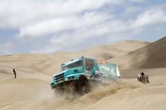 Iveco Powerstarin yli 900 hv FPT C13 moottori takaa vauhdikkaan etenemisen aavikollakin