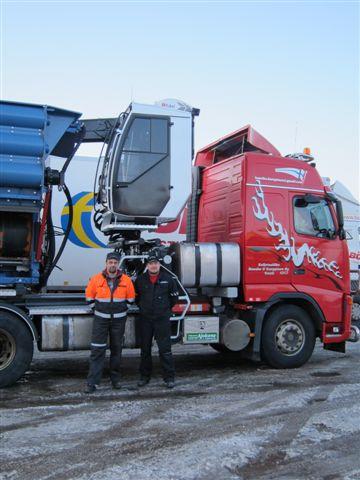 Ajokoneen Volvoasennukset:KH-Haketuksen uusi Volvo-hakkuripaketti.