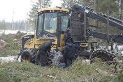Eco Log 554C ajokoneen voimansiirto tarkassa tutkinnassa - kaikki voimansiirron mekaaniset komponentit ovat NAF-laatua
