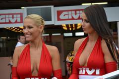 Bridgestonen miehet osaavat kuvata tapahtumista vain oleelliset asiat - kuva Brnon MotoGP kisoista