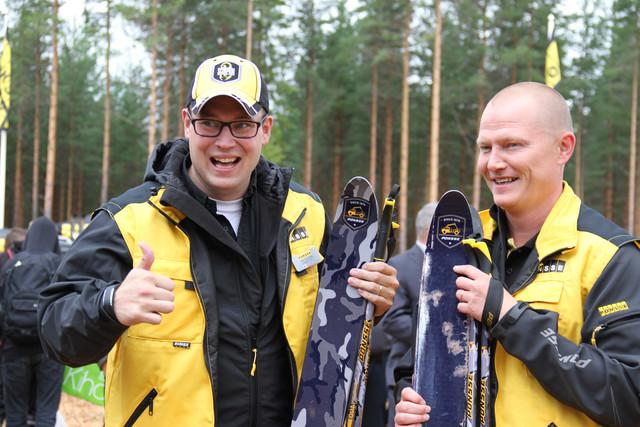 Juho Nummela ja Jarmo Vidgrén valmiina taistoon niin ladulla kuin metsäkonemarkkinoilla FinnMETKO 2014, Jämsä, 28.-30.8.2014