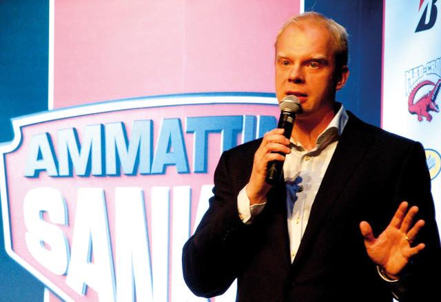 Ammattina Sankari 2014 Gaalailta - Loppuillan hauskuuttaja oli stand up koomikko ja imitaattori Ville Myllyrinne.