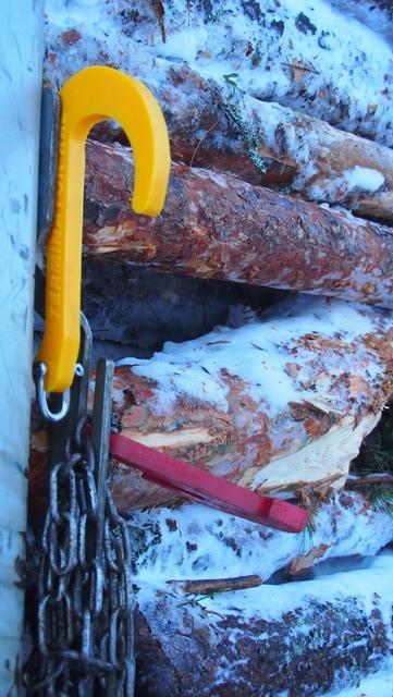 Terminatror XXL ARCTIC nostokoukku keltaisena.