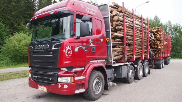 Scania V8 ja Kome sekä Kesla / Juha Lemettinen Seinäjoki.