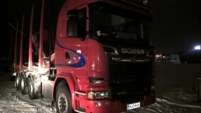 Scania 0n vuorostaan 2015 ykköskuorma-auto.