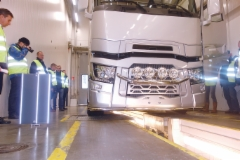 Akselistojen suuntauksen tarkistaminen on tärkeä osa rengashuloltoa