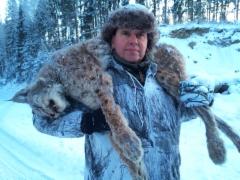 Atlas Copcon Kimmo Alakoski ampui komean ilveksen Nokialla - painoa hoikassa kunnossa olleella kissapedolla noin 19 kiloa ja säkäkorkeutta reilusti yli 60 cm
