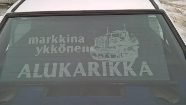 Alukarikka oli markkinaykkönen Suomessa 1981. Juhlakiertue  tehtiin Klauden Kenwortilla.