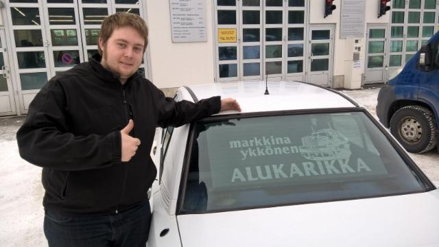 Kari Saarela ja Asko Haapala kuskasivat Alukarikan viisivuotisjuhlakiertueen Kentsua halki Suomen pysähtyen yli sadalla  paikkakunnalla.