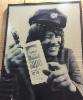Irwin Goodman mainostaa öljyä Shell Etelä-Haagan seinällä