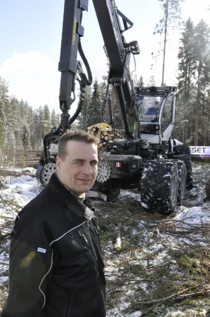 Logset 12H GTE HYBRID ensiesittely 21.3.2016 Koivulahti