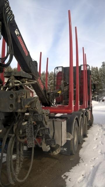 Mercedes / Velj.Palo - Suomen pohjoisin puutavarayhdistelmä.