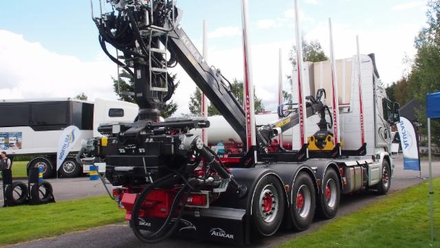 Power Truck Show 2016 - puutavarayhdistelmät