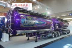 Kuljetus Auvisen valmistumassa olevasta yhdistelmästä saatiin esimakua IAA:ssa