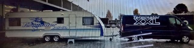 Terminatormiesten tarjoilu ja esittelyvaunu teippauksessa syksyn 2016 valtakunnalliselle kiertueella.
