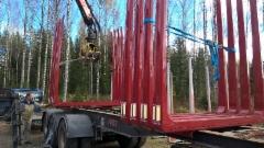 Pankkoasennus onnistuu tehdä Suomihallissa ja nosto-operaatiot näin - auton omalla kuormaimella.