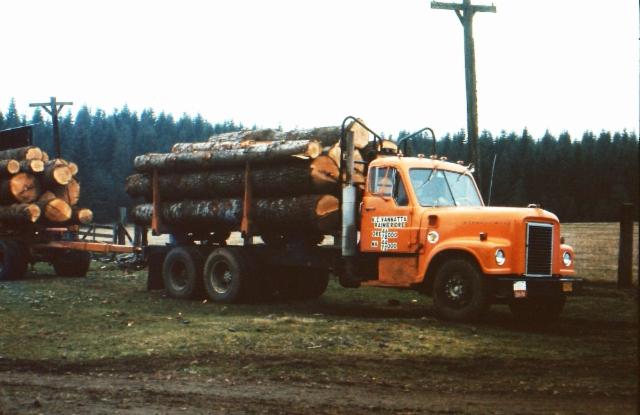 International DF400 Logger vm. 1968
