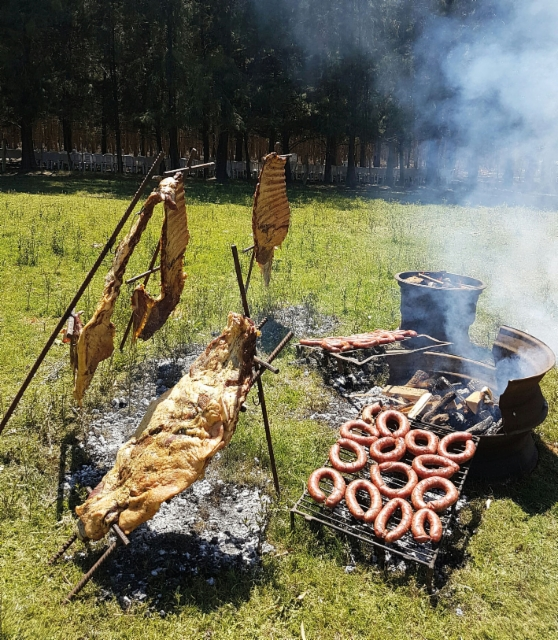 PONSSE Scorpion lanseerattiin onnistuneesti Uruguayssa loppuvuodesta 2016 - grilliherkkuja tarjottiin paikalliseen tapaan