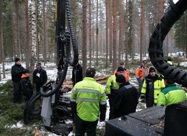 Logset 8H GT harvesterin työnäytös Hausjärvellä 3.2.2017
