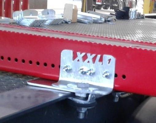 Keskisen Euroopan kevein seitsentonninen pankko on Teminator XXL 07. Terminatoreitten suosiota alppiteitten jyrkissä laskuissa kasvattaa pitävät liukuesepinnat ja matalat nippujen painopisteet.