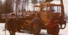 Veljekset Moision Lokomo ajokone 1970-luvun alkupuolella (kuva Moisio Forest)