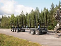 Vaunussa kuormatilaa yleisesti käytössä olevien alle kolmemetristen alutolppien vetävän koko yhdistelmän puille - 90 m3 yksin vaunussa ja autossa 40 m3 till !!!