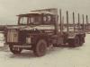 Veljekset Kannonlahden Scania oli kymmenen ensimmäisen alumiinivarustepaketilla varustetun puutavara-auton joukossa. Mentiin vuotta 1977.