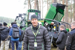 John Deere esitteli uutuksia maaliskuussa 2018 Saksassa Klinkissä - kuvassa Janne Märkälä